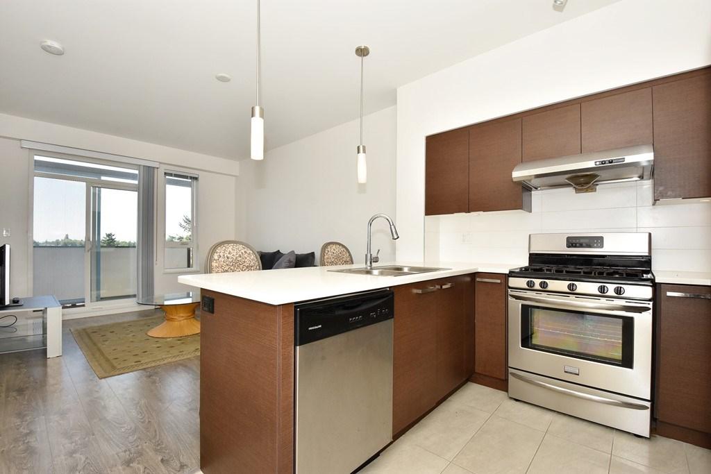 Condo Apartment at 428 10880 NO. 5 ROAD, Unit 428, Richmond, British Columbia. Image 7