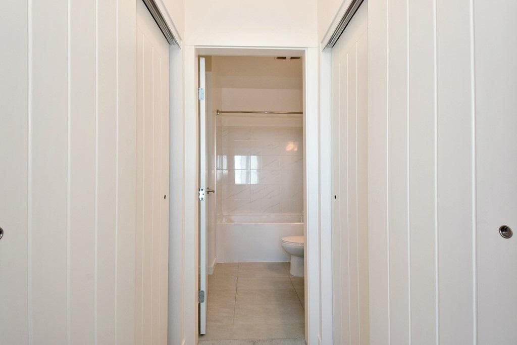 Condo Apartment at 428 10880 NO. 5 ROAD, Unit 428, Richmond, British Columbia. Image 16