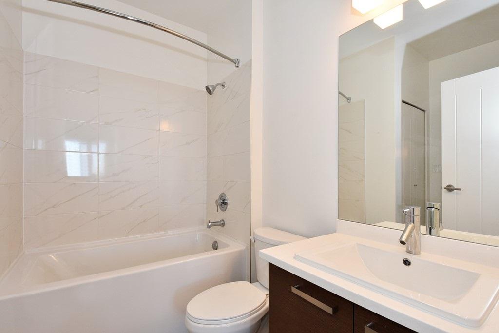 Condo Apartment at 428 10880 NO. 5 ROAD, Unit 428, Richmond, British Columbia. Image 17