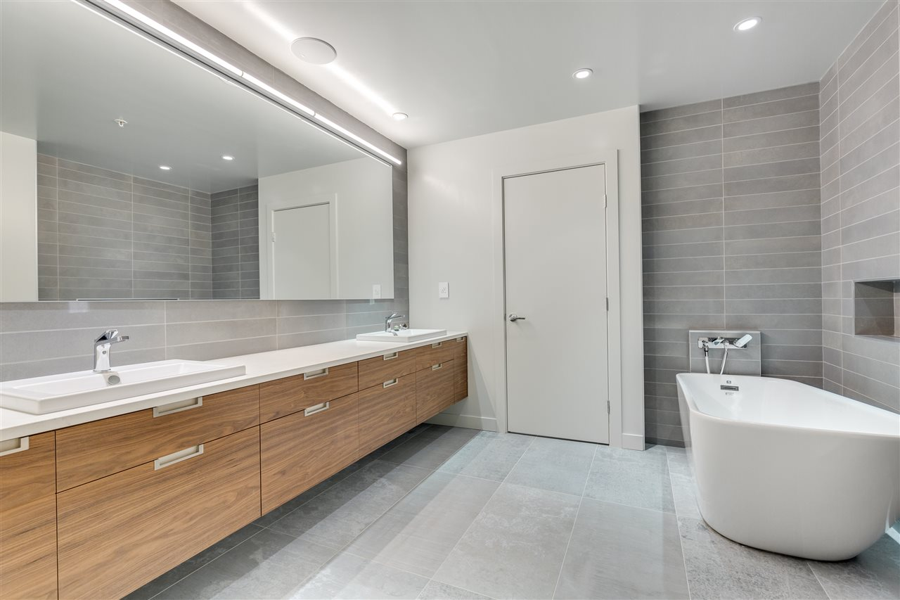 Condo Apartment at 105 W 2ND STREET, North Vancouver, British Columbia. Image 7