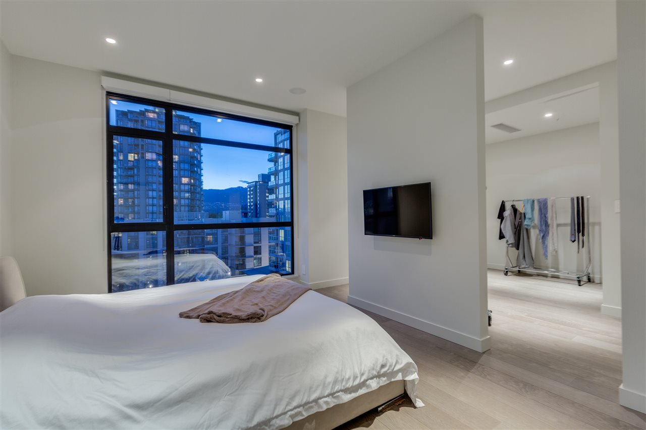 Condo Apartment at 105 W 2ND STREET, North Vancouver, British Columbia. Image 14
