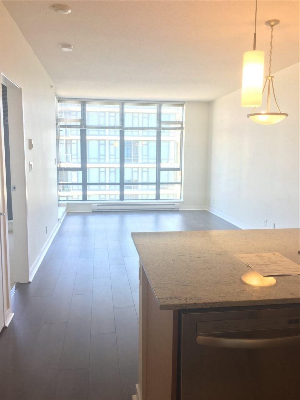 Condo Apartment at 1509 7360 ELMBRIDGE WAY, Unit 1509, Richmond, British Columbia. Image 5