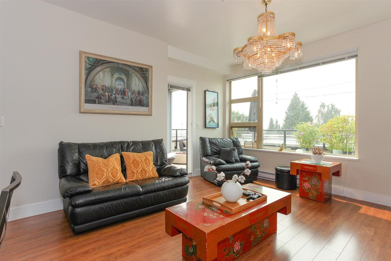 Condo Apartment at 104 709 TWELFTH STREET, Unit 104, New Westminster, British Columbia. Image 3