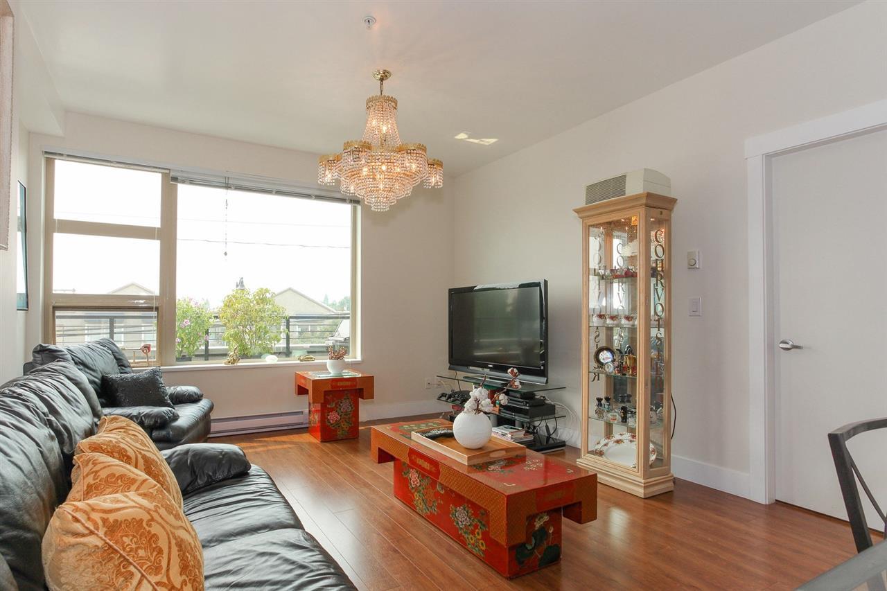 Condo Apartment at 104 709 TWELFTH STREET, Unit 104, New Westminster, British Columbia. Image 4
