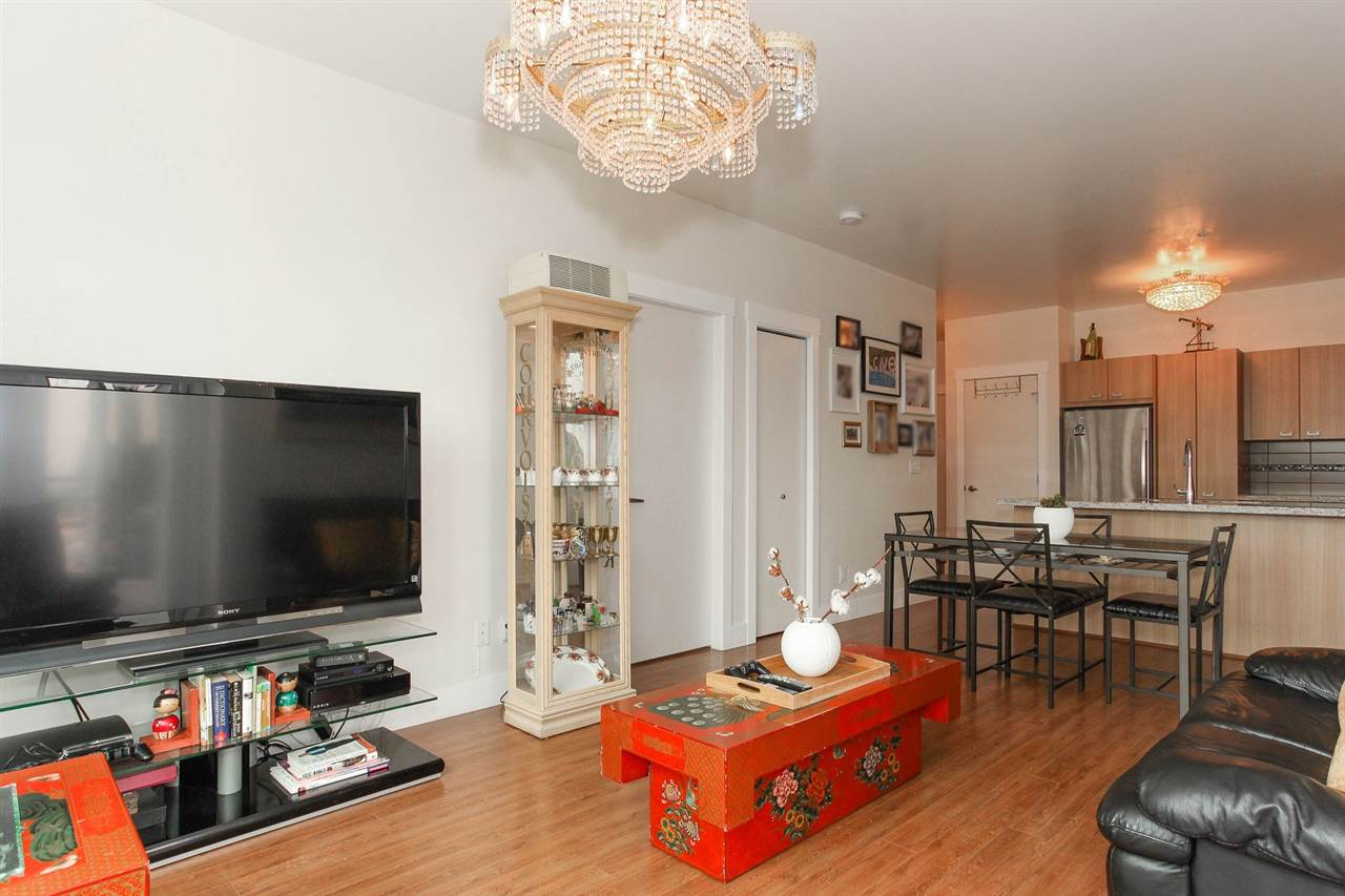 Condo Apartment at 104 709 TWELFTH STREET, Unit 104, New Westminster, British Columbia. Image 5