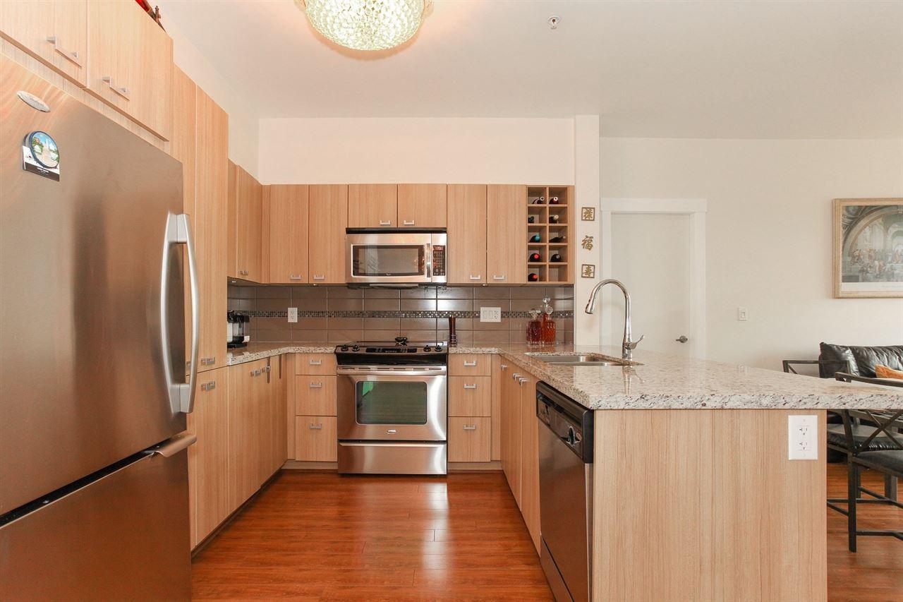 Condo Apartment at 104 709 TWELFTH STREET, Unit 104, New Westminster, British Columbia. Image 8