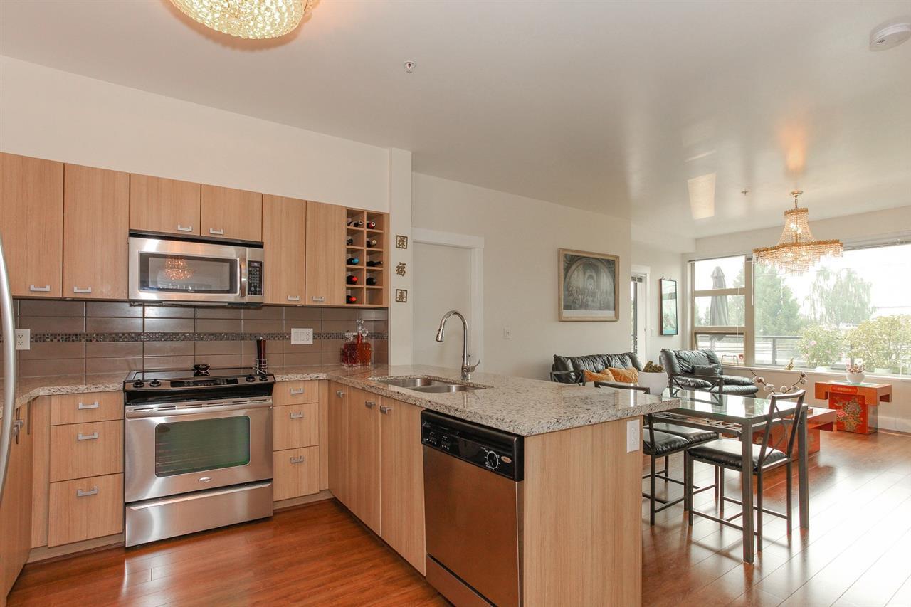 Condo Apartment at 104 709 TWELFTH STREET, Unit 104, New Westminster, British Columbia. Image 9