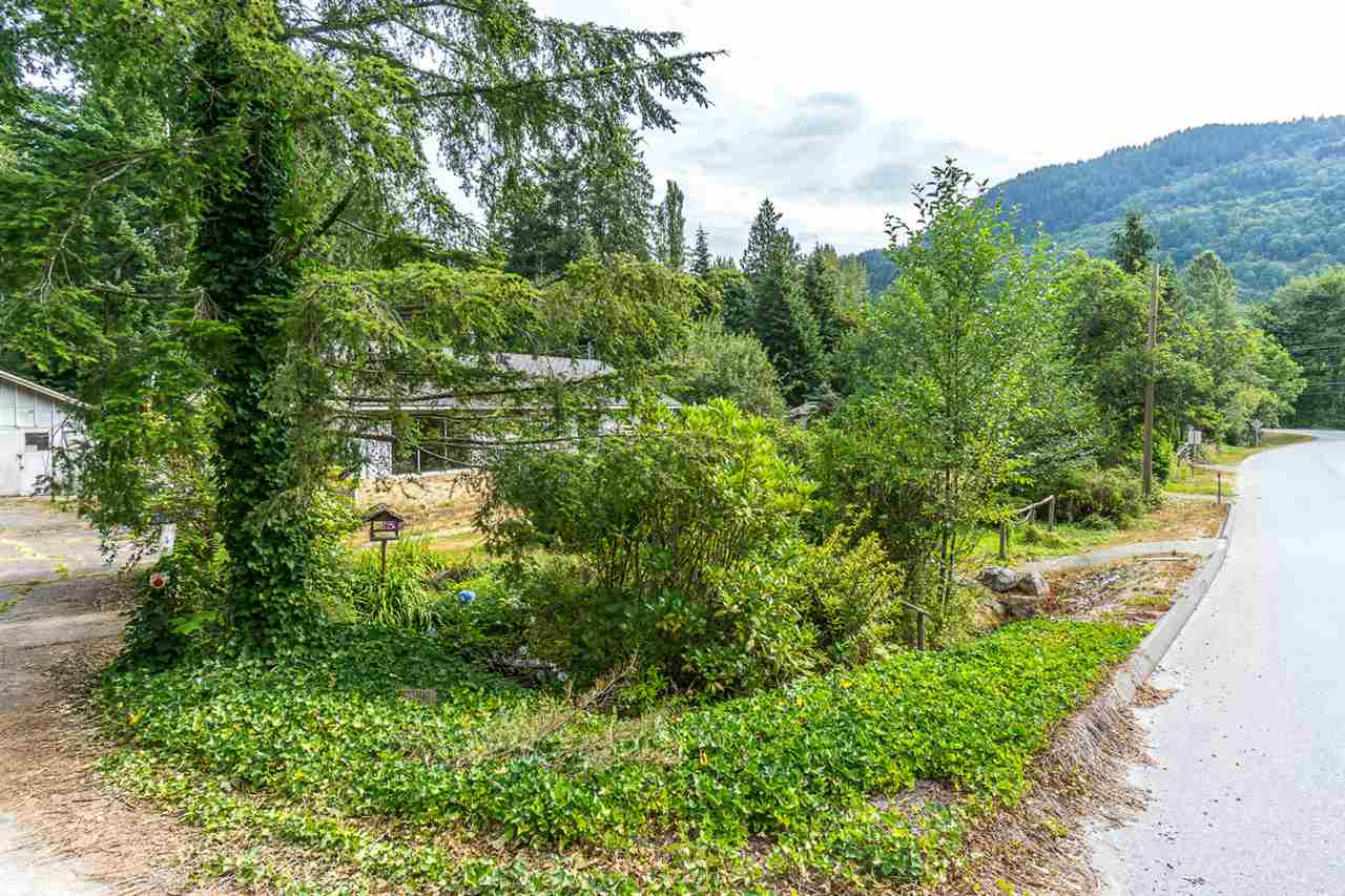 Detached at 43717 OHMAN ROAD, Mission, British Columbia. Image 2