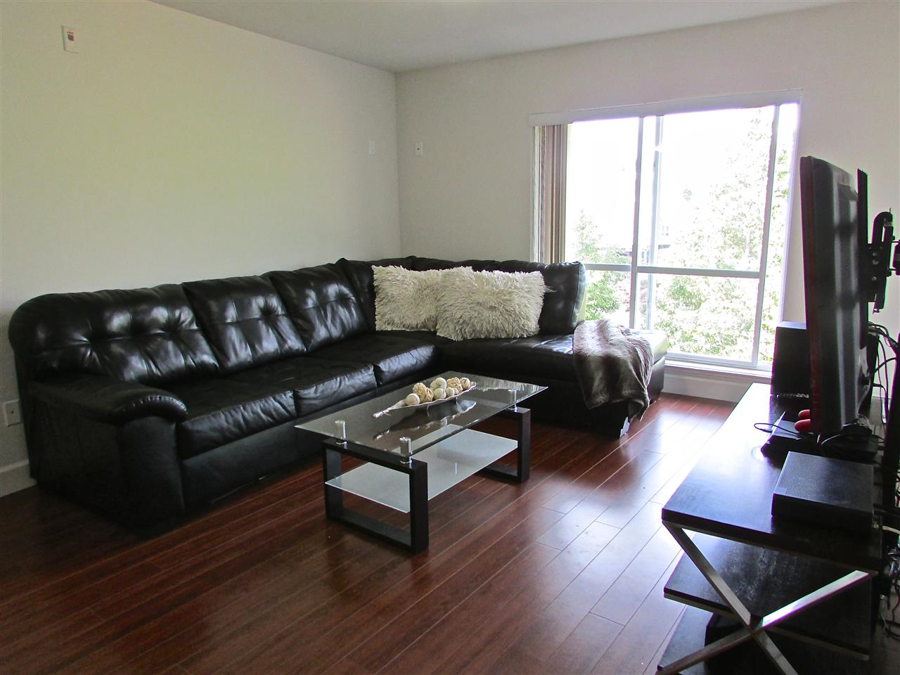 Condo Apartment at 310 12088 75A AVENUE, Unit 310, Surrey, British Columbia. Image 6