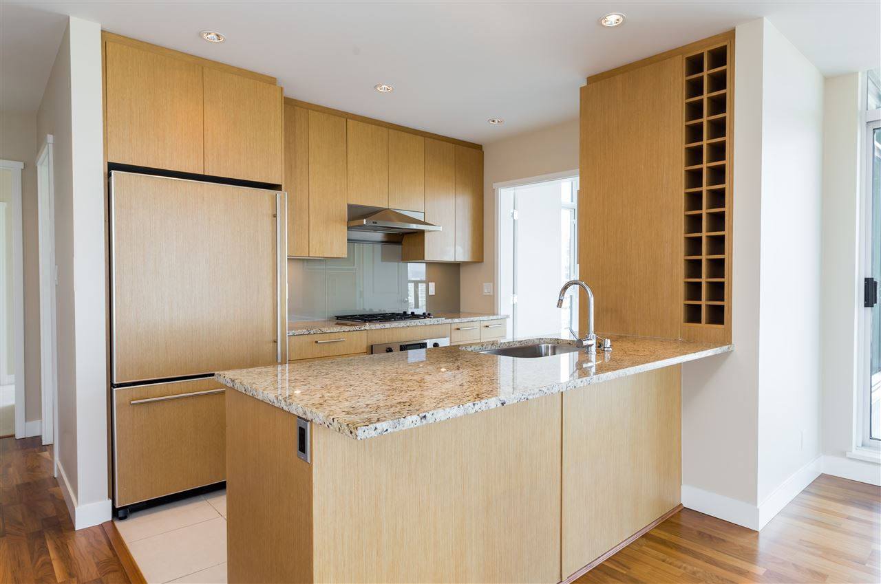 Condo Apartment at 802 1333 W 11TH AVENUE, Unit 802, Vancouver West, British Columbia. Image 3