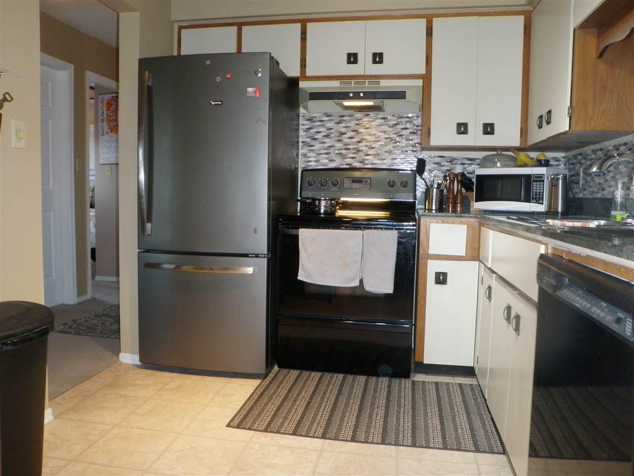 Condo Apartment at 306 32885 GEORGE FERGUSON WAY, Unit 306, Abbotsford, British Columbia. Image 9