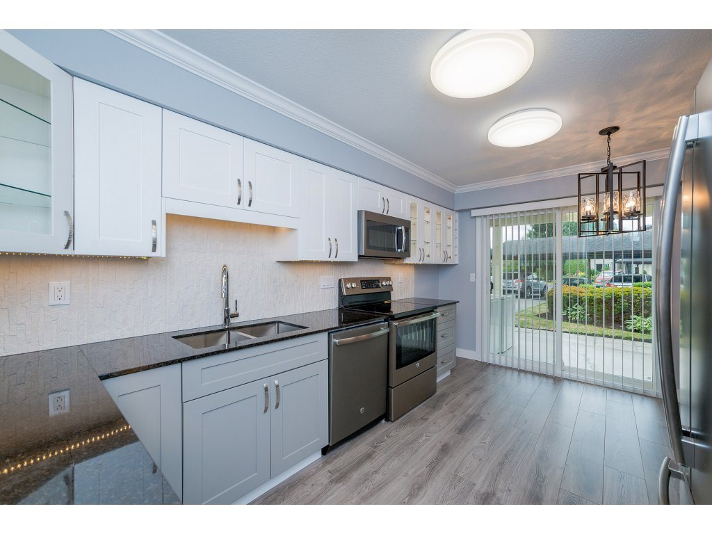 Townhouse at 2 6467 197 STREET, Unit 2, Langley, British Columbia. Image 5