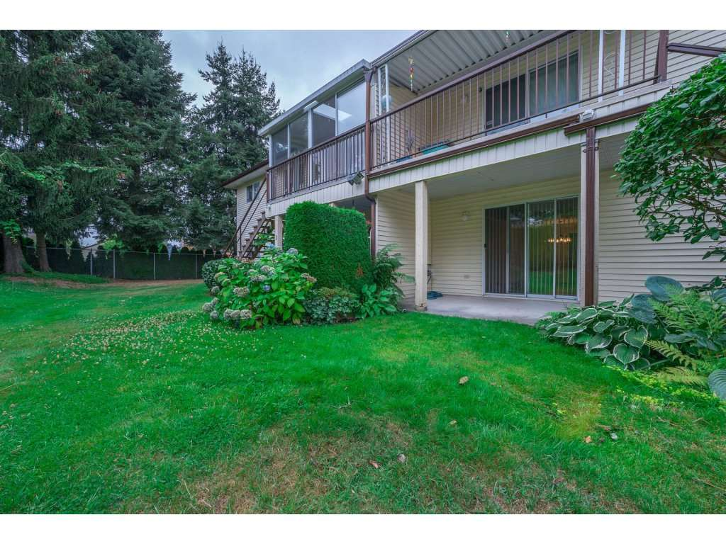 Townhouse at 2 6467 197 STREET, Unit 2, Langley, British Columbia. Image 17