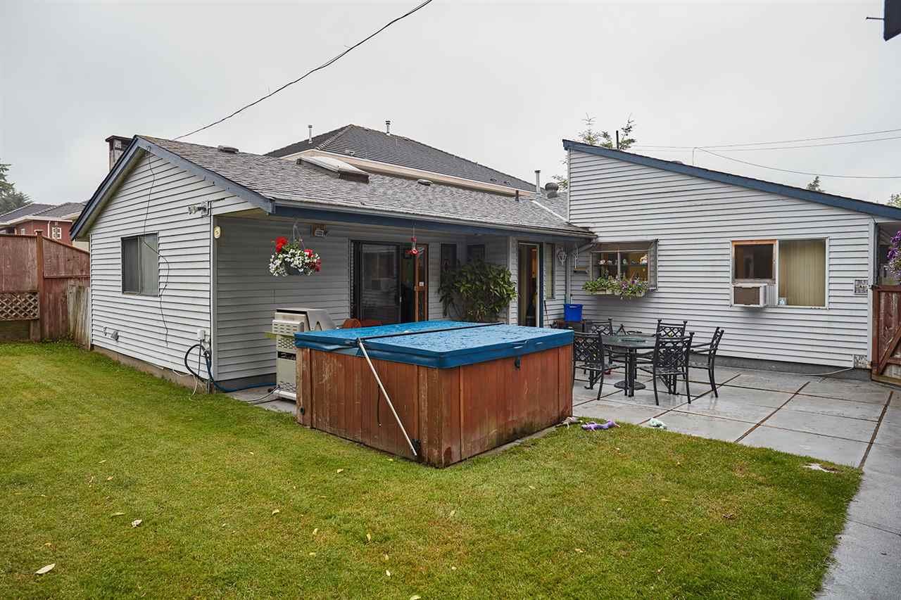 Detached at 6864 KILBURN PLACE, Surrey, British Columbia. Image 14