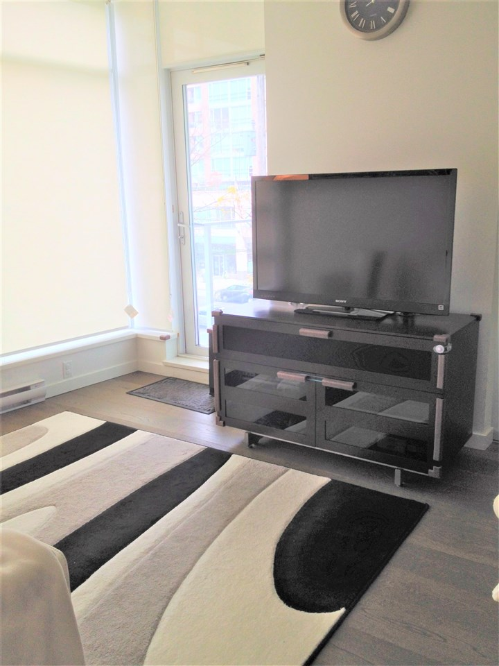 Condo Apartment at 303 2550 SPRUCE STREET, Unit 303, Vancouver West, British Columbia. Image 5