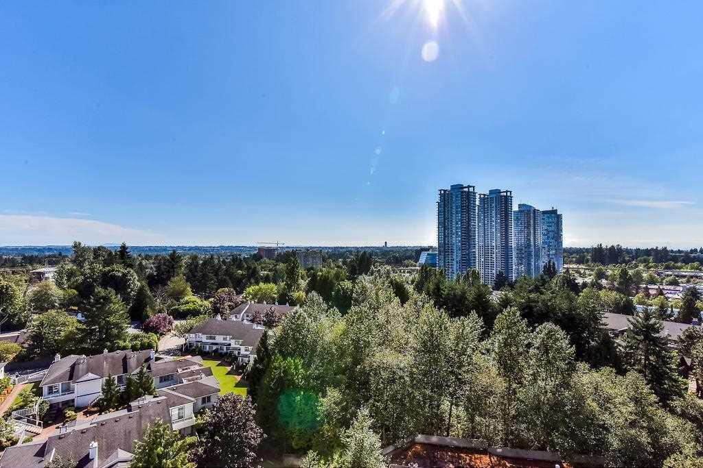 Condo Apartment at 1101 13880 101 AVENUE, Unit 1101, North Surrey, British Columbia. Image 16