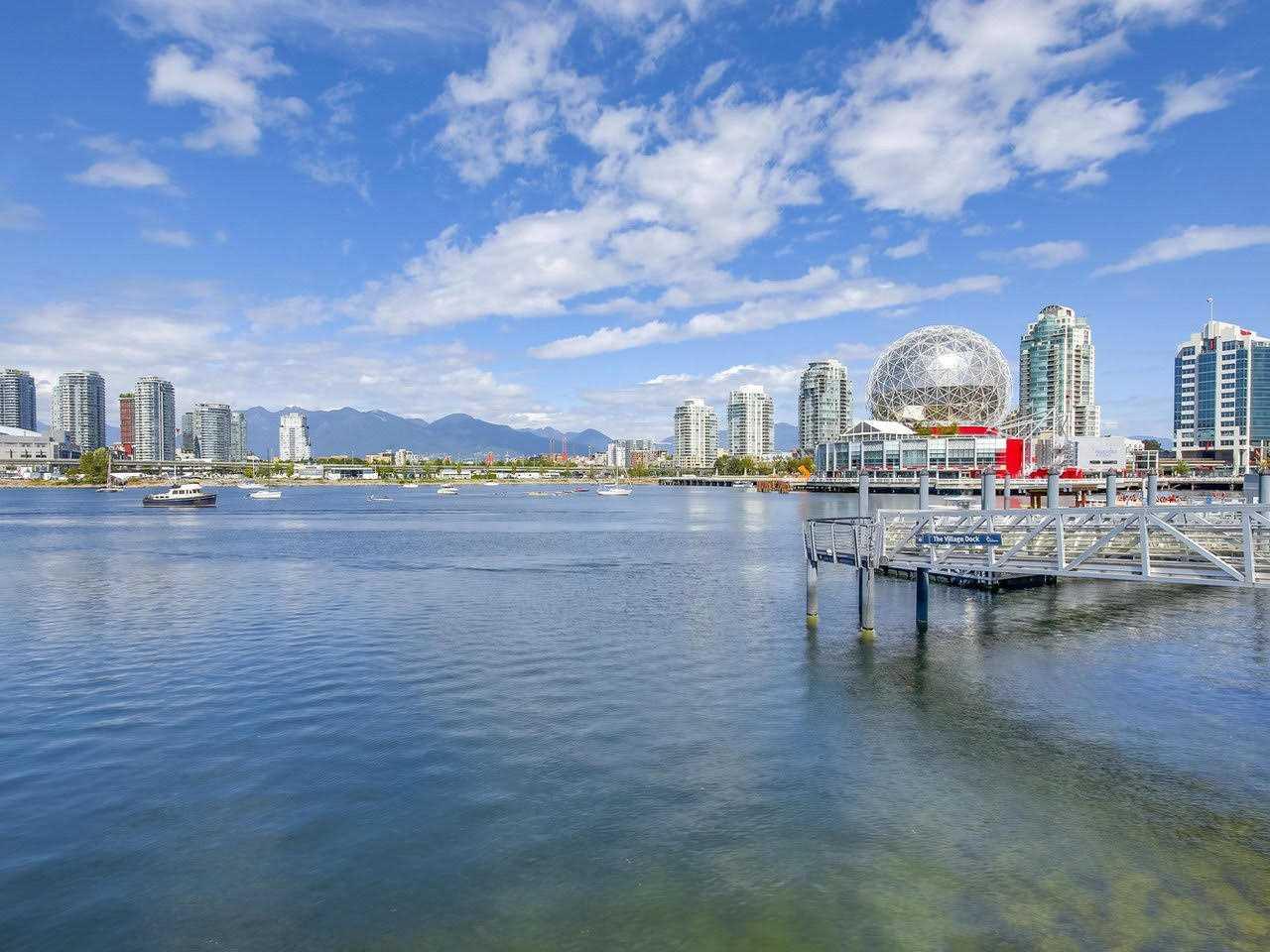 Condo Apartment at 1201 88 W 1ST AVENUE, Unit 1201, Vancouver West, British Columbia. Image 17