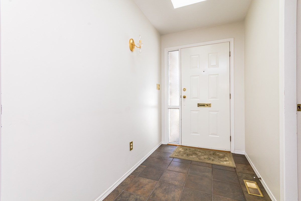 Townhouse at 53 33922 KING STREET, Unit 53, Abbotsford, British Columbia. Image 4