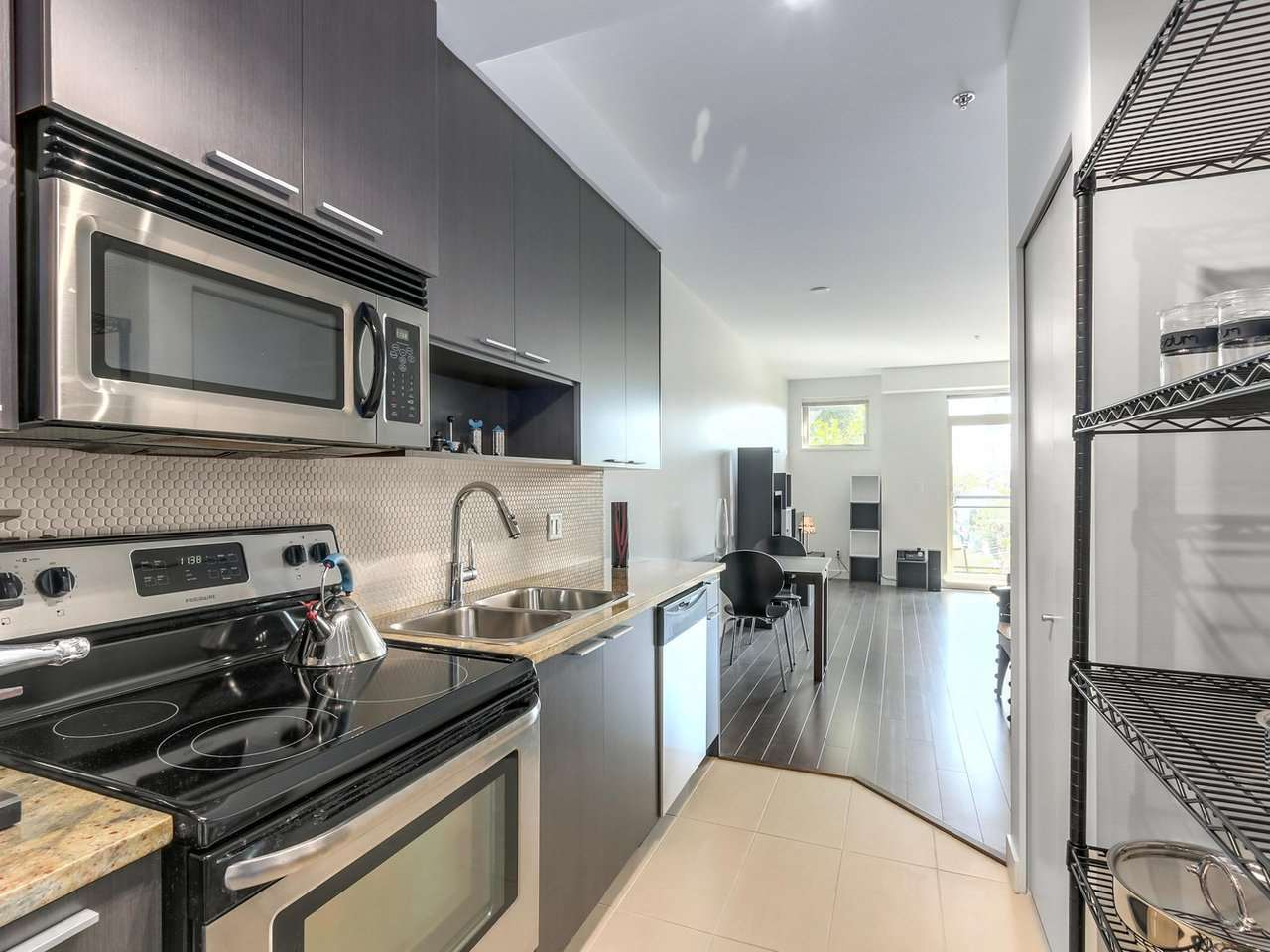 Condo Apartment at 309 707 E 20TH AVENUE, Unit 309, Vancouver East, British Columbia. Image 4
