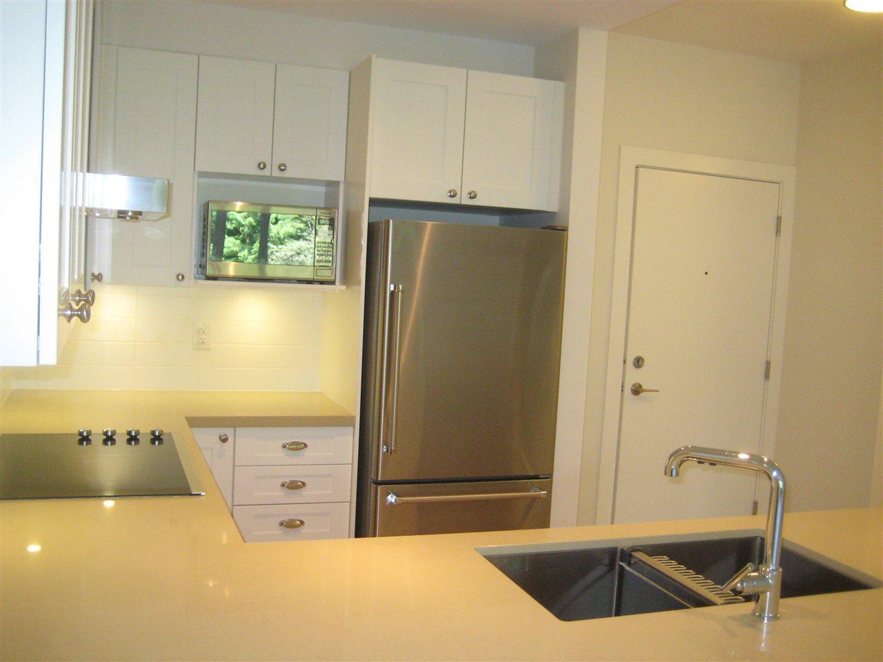 Condo Apartment at 325 3399 NOEL DRIVE, Unit 325, Burnaby North, British Columbia. Image 4