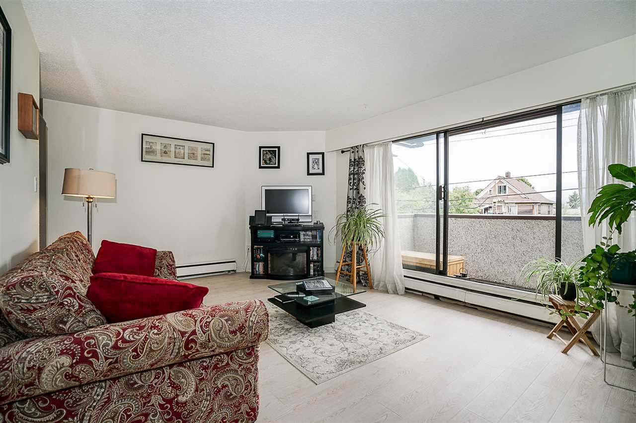 Condo Apartment at 207 391 E 7TH AVENUE, Unit 207, Vancouver East, British Columbia. Image 4