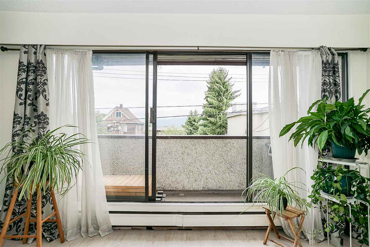 Condo Apartment at 207 391 E 7TH AVENUE, Unit 207, Vancouver East, British Columbia. Image 8