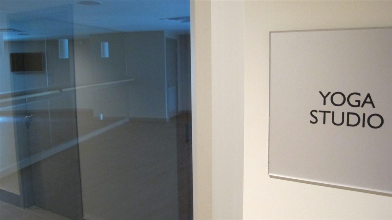 Condo Apartment at 1105 3080 LINCOLN AVENUE, Unit 1105, Coquitlam, British Columbia. Image 13