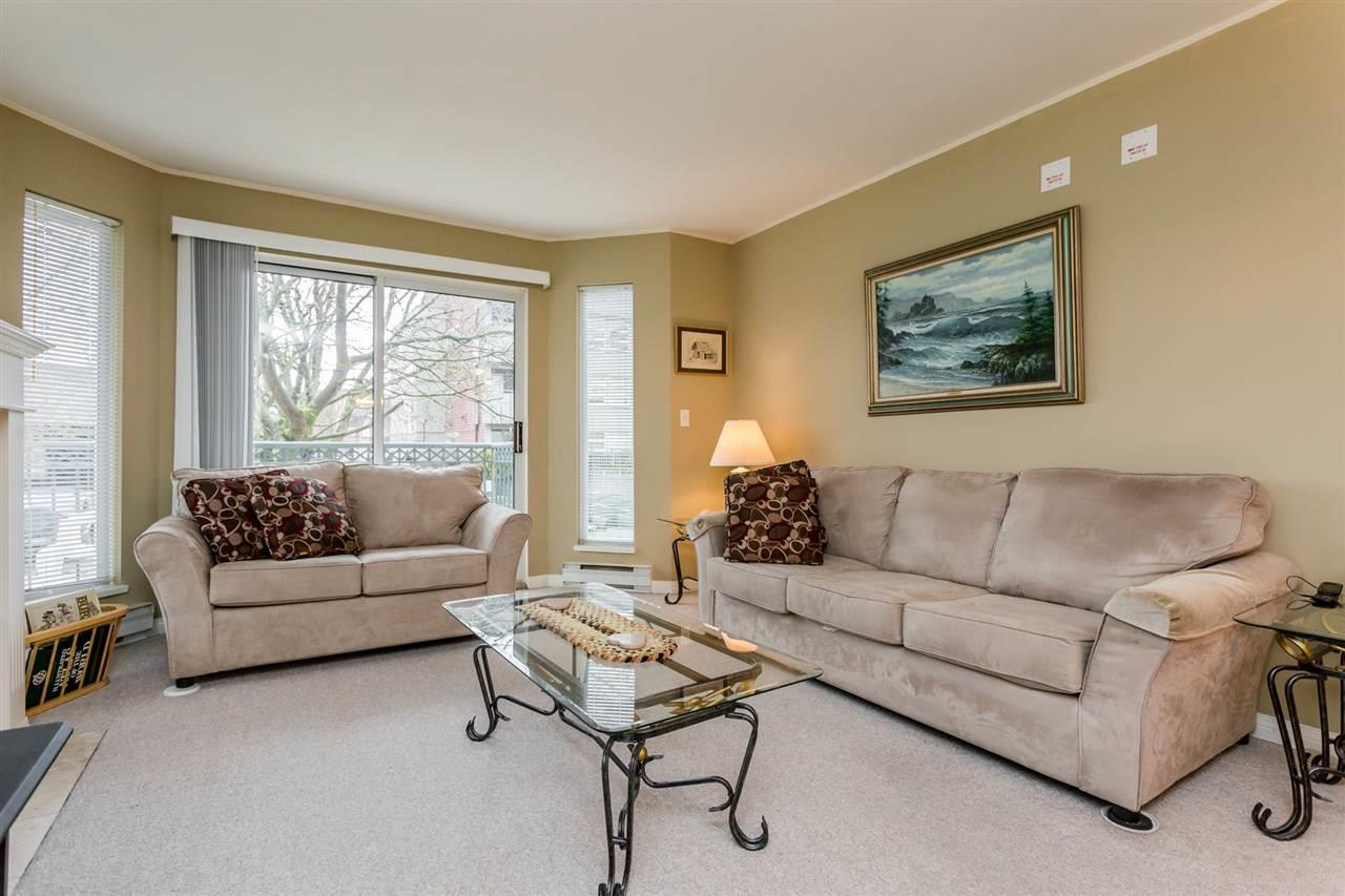 Condo Apartment at 106 20727 DOUGLAS CRESCENT, Unit 106, Langley, British Columbia. Image 3