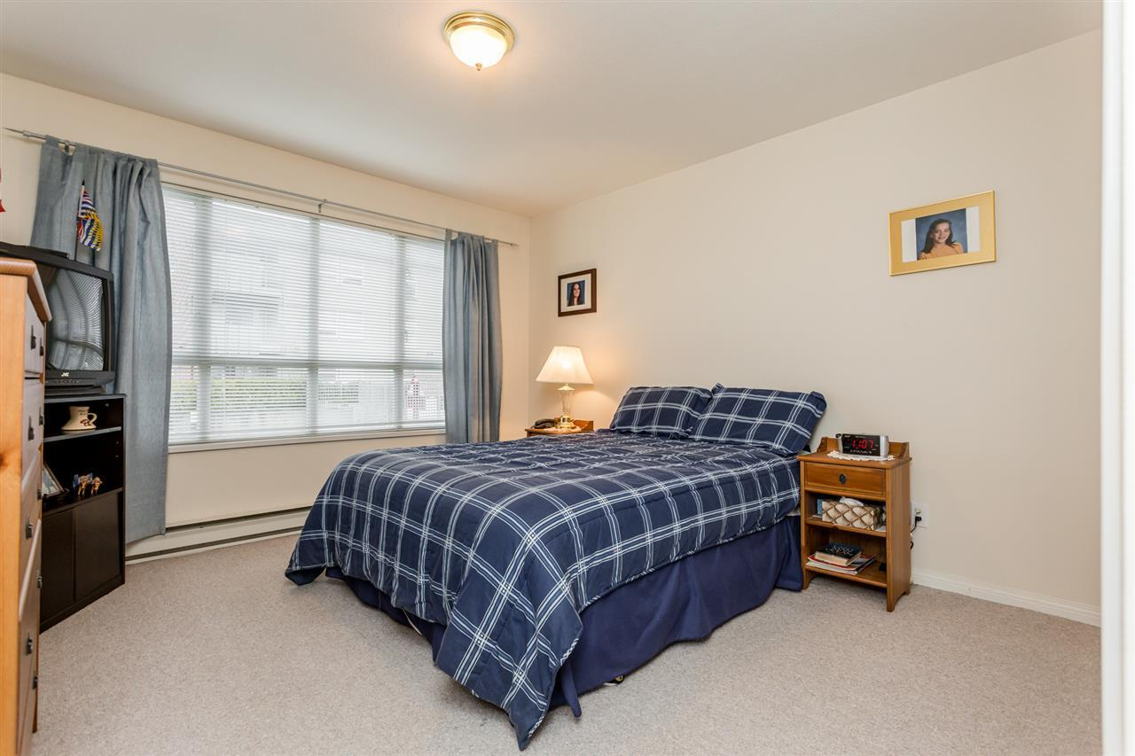 Condo Apartment at 106 20727 DOUGLAS CRESCENT, Unit 106, Langley, British Columbia. Image 9