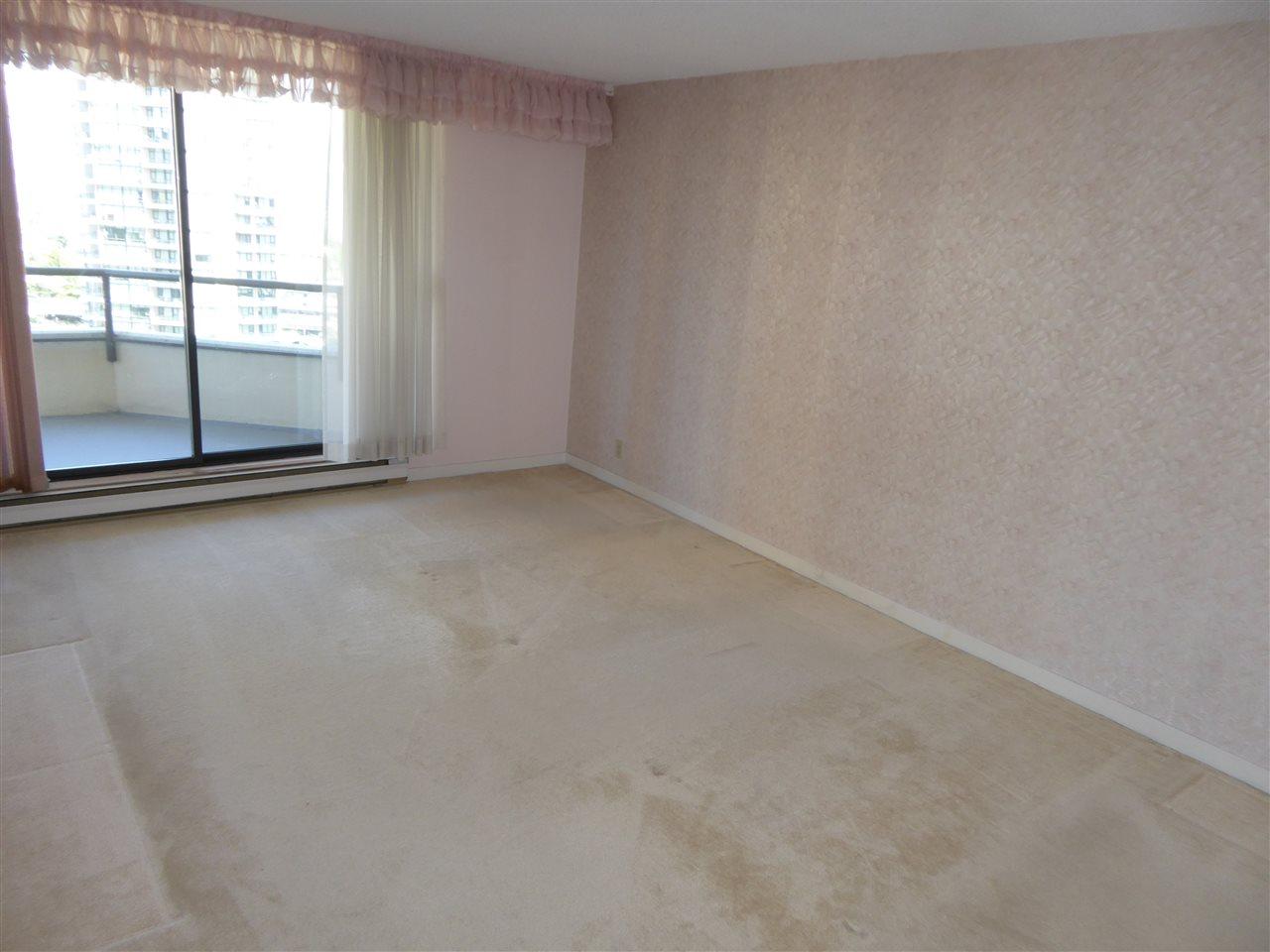 Condo Apartment at 1603 6282 KATHLEEN AVENUE, Unit 1603, Burnaby South, British Columbia. Image 13