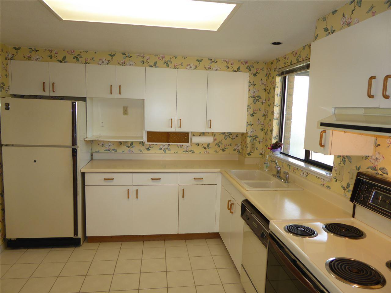 Condo Apartment at 1603 6282 KATHLEEN AVENUE, Unit 1603, Burnaby South, British Columbia. Image 14