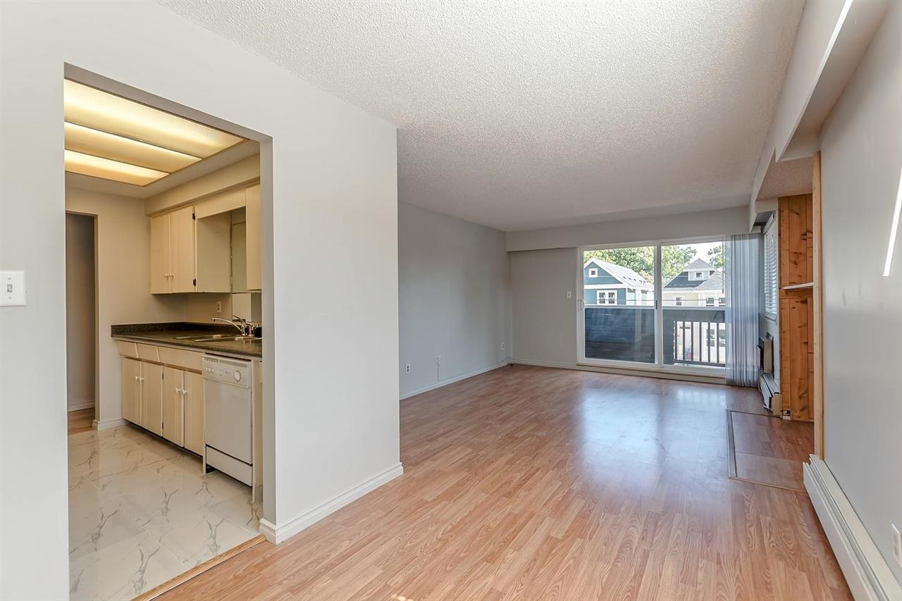 Condo Apartment at 211 1011 FOURTH AVENUE, Unit 211, New Westminster, British Columbia. Image 7