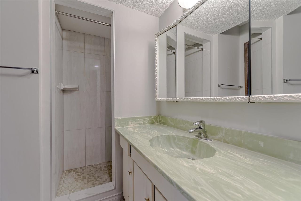 Condo Apartment at 211 1011 FOURTH AVENUE, Unit 211, New Westminster, British Columbia. Image 17
