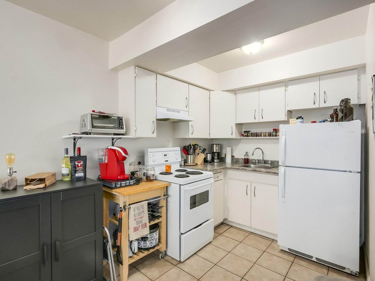 Condo Apartment at 210 1215 PACIFIC STREET, Unit 210, Vancouver West, British Columbia. Image 7