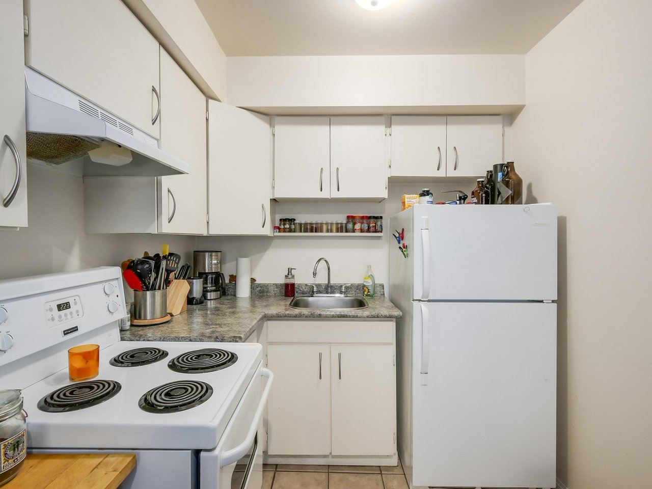 Condo Apartment at 210 1215 PACIFIC STREET, Unit 210, Vancouver West, British Columbia. Image 9