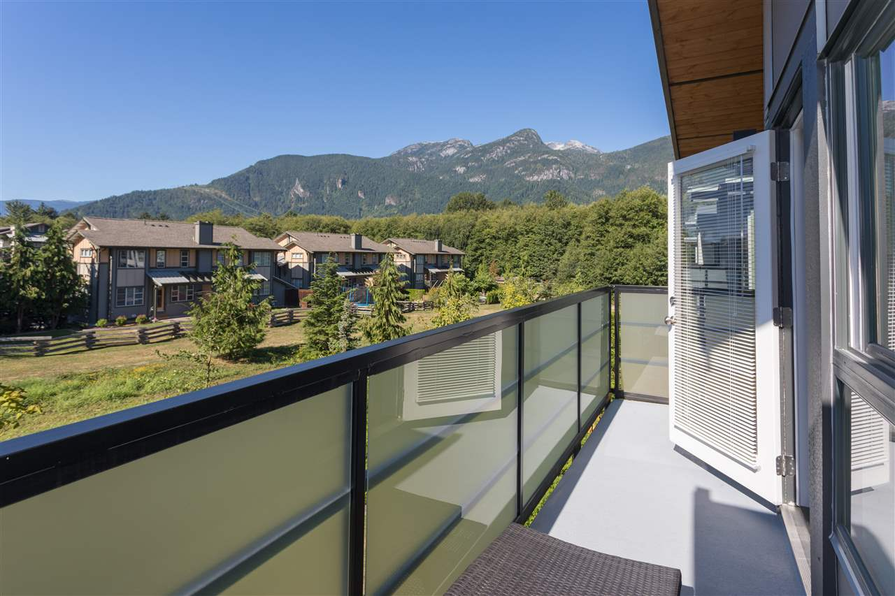 Half-duplex at 1151 NATURE'S GATE WAY, Squamish, British Columbia. Image 13