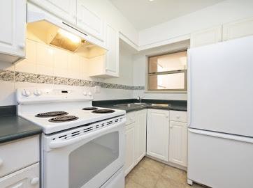 Condo Apartment at 304 22277 122 AVENUE, Unit 304, Maple Ridge, British Columbia. Image 2