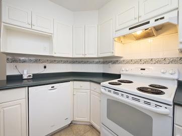 Condo Apartment at 304 22277 122 AVENUE, Unit 304, Maple Ridge, British Columbia. Image 14
