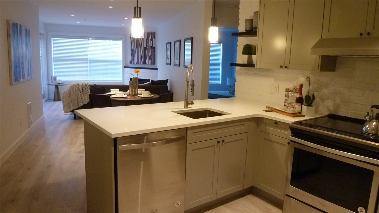 Condo Apartment at 129 5880 DOVER CRESCENT, Unit 129, Richmond, British Columbia. Image 2