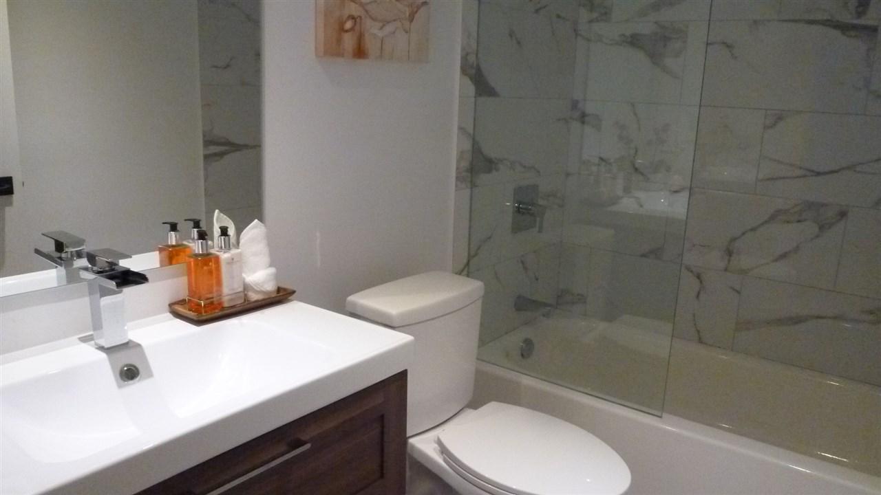 Condo Apartment at 129 5880 DOVER CRESCENT, Unit 129, Richmond, British Columbia. Image 8