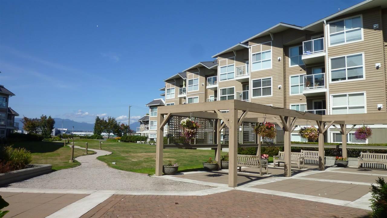 Condo Apartment at 129 5880 DOVER CRESCENT, Unit 129, Richmond, British Columbia. Image 13