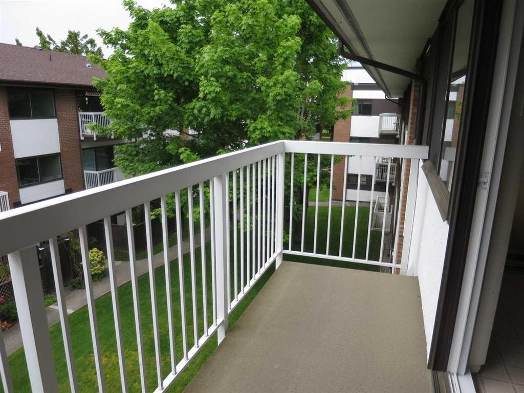 Condo Apartment at 305 8080 RYAN ROAD, Unit 305, Richmond, British Columbia. Image 15