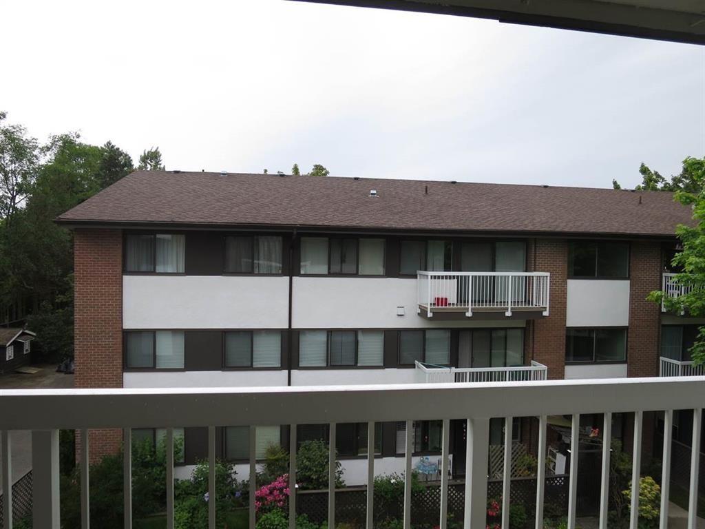 Condo Apartment at 305 8080 RYAN ROAD, Unit 305, Richmond, British Columbia. Image 17