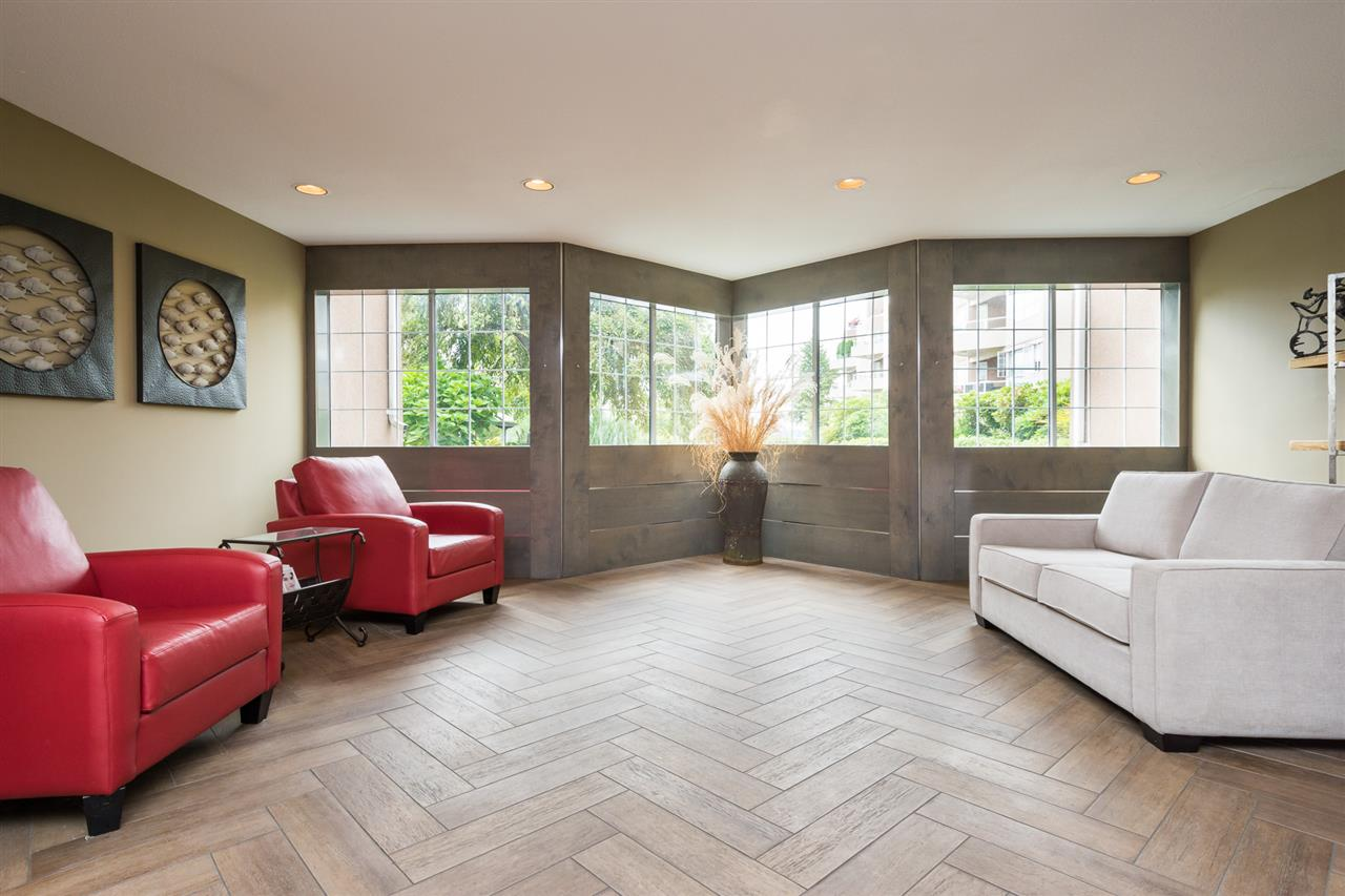 Condo Apartment at 210 1150 QUAYSIDE DRIVE, Unit 210, New Westminster, British Columbia. Image 3