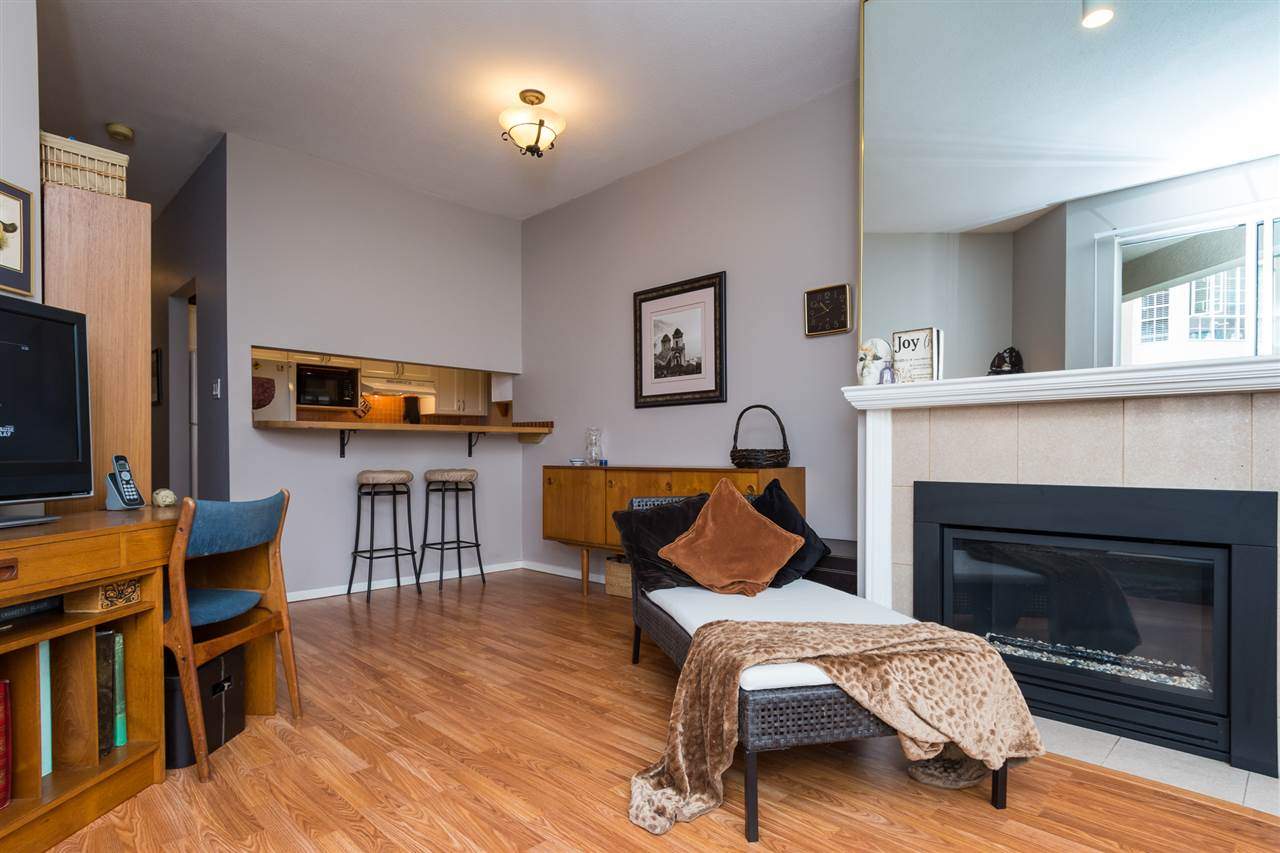 Condo Apartment at 210 1150 QUAYSIDE DRIVE, Unit 210, New Westminster, British Columbia. Image 7