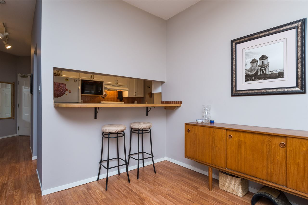 Condo Apartment at 210 1150 QUAYSIDE DRIVE, Unit 210, New Westminster, British Columbia. Image 8