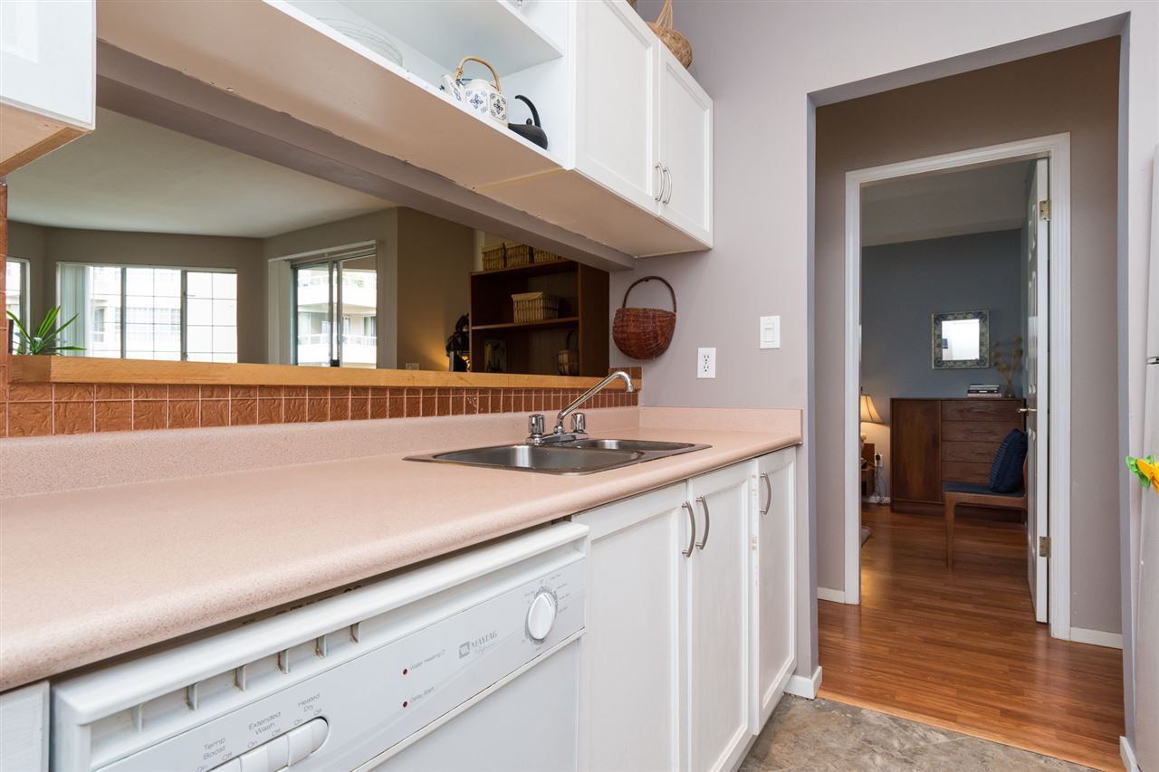 Condo Apartment at 210 1150 QUAYSIDE DRIVE, Unit 210, New Westminster, British Columbia. Image 10