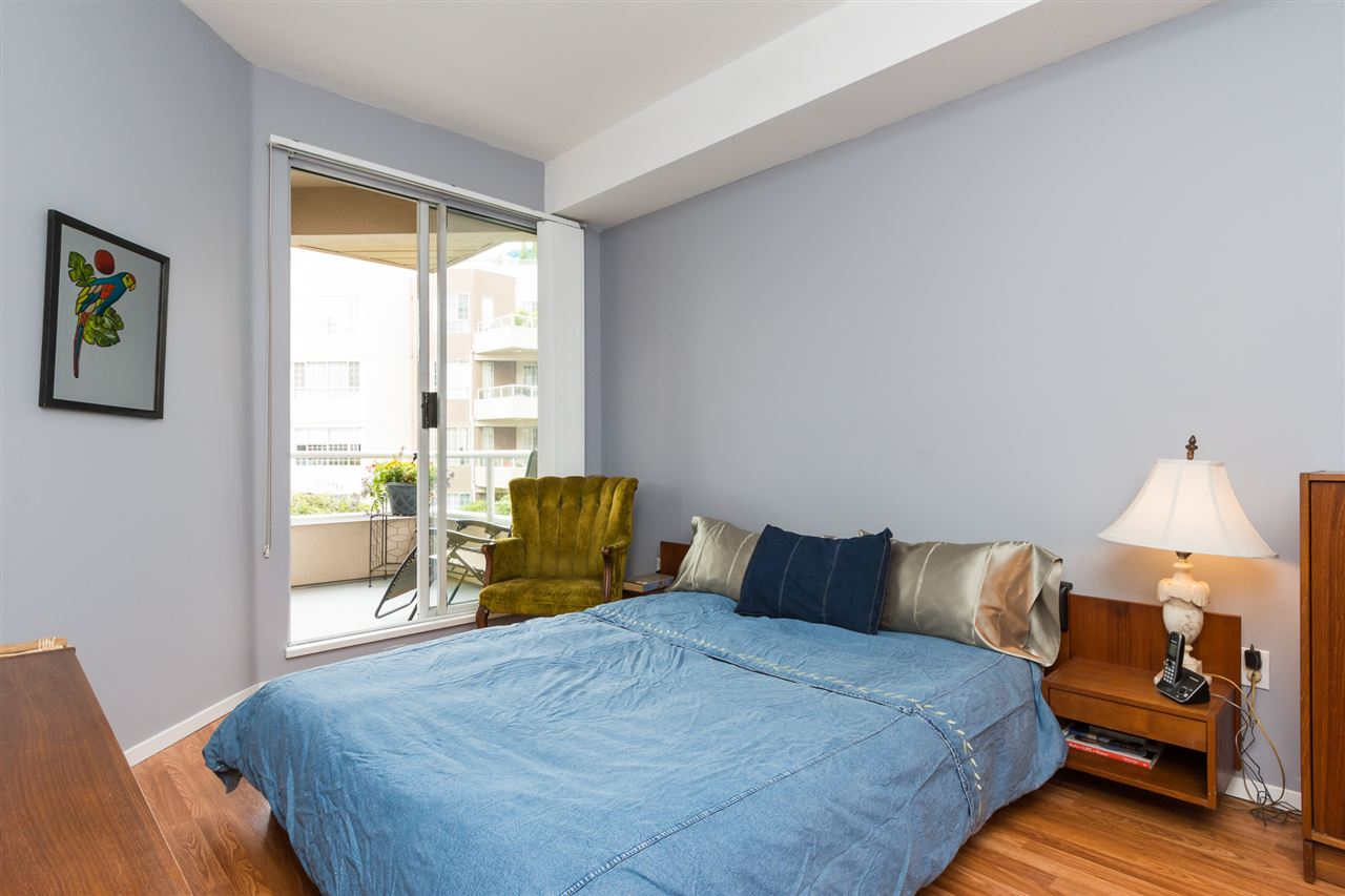 Condo Apartment at 210 1150 QUAYSIDE DRIVE, Unit 210, New Westminster, British Columbia. Image 11