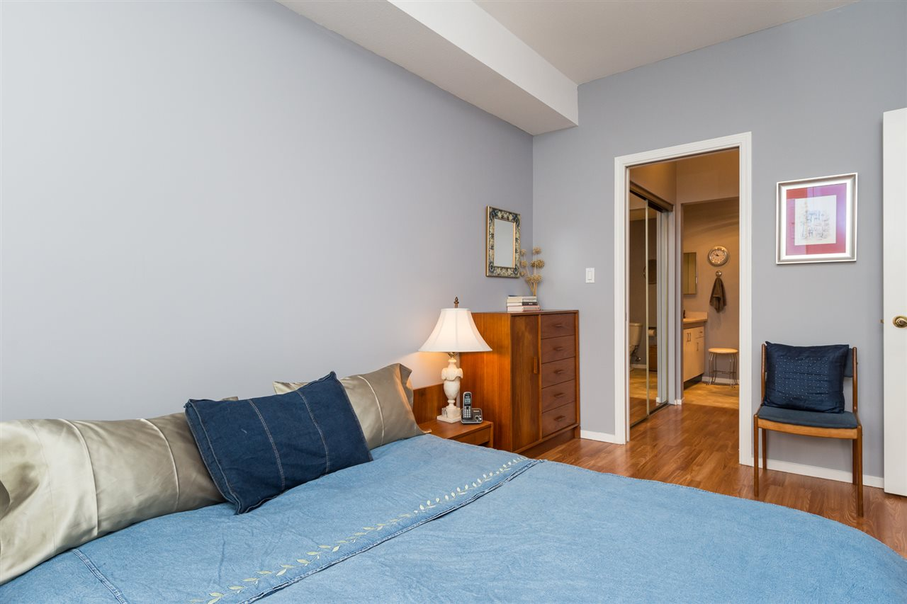 Condo Apartment at 210 1150 QUAYSIDE DRIVE, Unit 210, New Westminster, British Columbia. Image 13