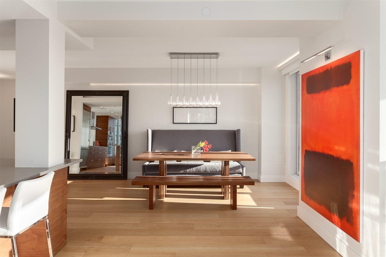 Condo Apartment at 18B 199 DRAKE STREET, Unit 18B, Vancouver West, British Columbia. Image 6